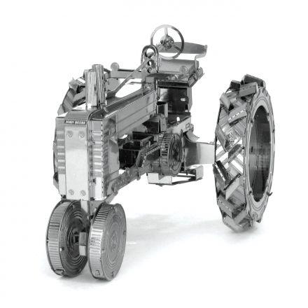 Metal Earth Traktor kovový model